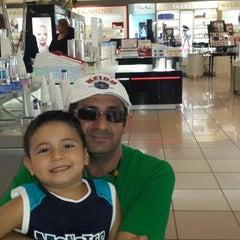 Photo taken at Almacenes SIMAN by Edgardo Y. on 12/22/2013