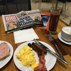 Photo taken at Lufthansa Welcome Lounge (Arrival Lounge) by Patrick N. on 3/27/2014