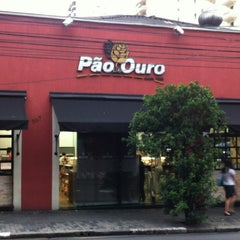 Photo taken at Padaria Pão de Ouro by Marcos C. on 2/8/2013