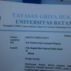 Photo taken at Universitas Batam (UNIBA) by Ellys L. on 10/4/2013