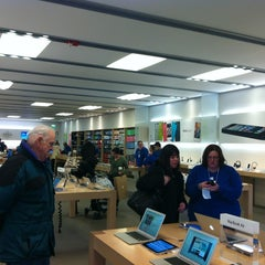 Photo taken at Apple Store, Smith Haven by Esref A. on 3/6/2013