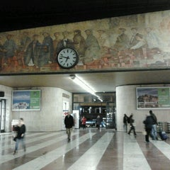 Photo taken at Stazione Firenze Santa Maria Novella by CarolinaCogito E. on 10/30/2012
