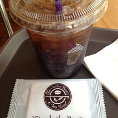 Photo taken at The Coffee Bean & Tea Leaf by Jessica MK S. on 10/20/2012