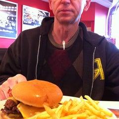 Photo taken at Steak 'n Shake by Angie B. on 12/24/2013