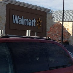 Photo taken at Walmart Supercenter by Fernando H. on 12/22/2012