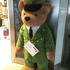 Photo taken at Harrods by HIROFUMI E. on 10/8/2015
