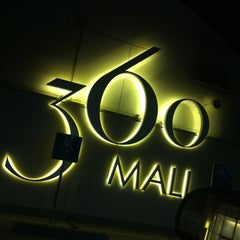 Photo taken at 360° Mall by Hamad A. on 10/17/2012