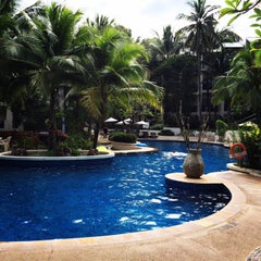 Photo taken at Horizon Beach Reaort Hotel, Karon Beach by Danna on 11/18/2014