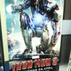 Photo taken at BIG Cinemas by Fh*NruL W. on 4/29/2013