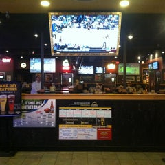 Photo taken at Buffalo Wild Wings by Des on 1/17/2013