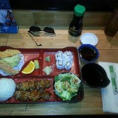 Photo taken at Sushi & Teri by HOTTAMAN E. on 4/1/2015