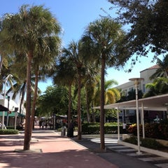 Photo taken at Lincoln Road Mall by Sergio B. on 11/7/2012