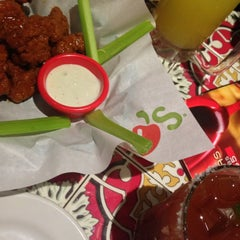 Photo taken at Chili's by Yos L. on 5/24/2013