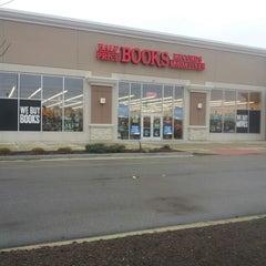 Photo taken at Half Price Books by Paula H. on 12/8/2012