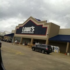 Photo taken at Lowe's Home Improvement by Maxx J. on 1/27/2013
