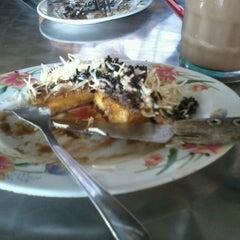 Photo taken at Surabi Imut by Izza Cahya K. on 11/8/2012
