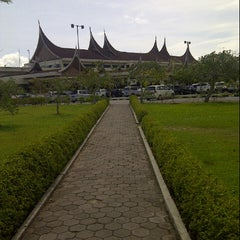 Photo taken at Minangkabau International Airport (PDG) by siti A. on 3/28/2013