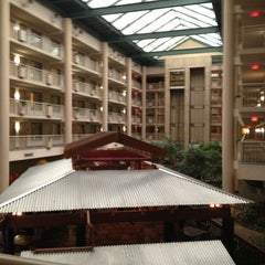 Photo taken at Embassy Suites by Hilton Syracuse by Daniela R. on 10/19/2012