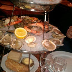 Photo taken at Brasseries Georges by Tido v. on 2/2/2012