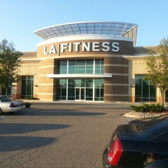 Photo taken at LA Fitness by Danon B. on 6/20/2013