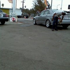 Photo taken at 100% Hand Car Wash by Caliking on 10/8/2012