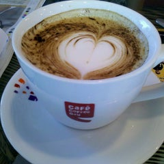 Photo taken at Cafe Coffee Day by Mouna S. on 2/22/2013