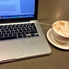 Photo taken at Bridgehead by Myriam D. on 9/17/2014