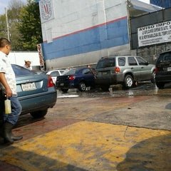Photo taken at Servicio Plutarco - Estética Automotriz by Orlando P. on 9/22/2012