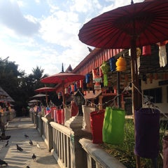 Photo taken at วัดเจ็ดลิน (Wat Chet Lin) by Ja S. on 12/29/2014