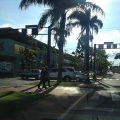 Photo taken at Shopping Avenida Center by Valdeir on 12/12/2012