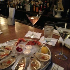 Photo taken at Thames Street Oyster House by Tom H. on 1/26/2013