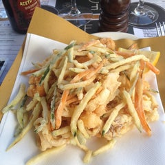 Photo taken at Kalamaro Fritto d'Osteria by Cristiano on 10/3/2015