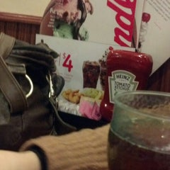 Photo taken at Friendly's Restaurant by Steven H. on 3/31/2013