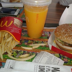Photo taken at McDonald's by Gabriele R. on 7/29/2013