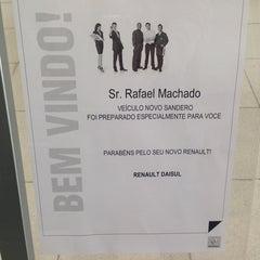 Photo taken at Daisul Renault by Rafael K. on 8/13/2014