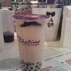 Photo taken at Chatime 日出茶太 by Pam L. on 11/25/2013