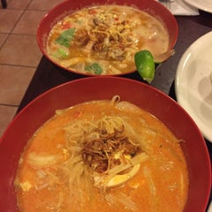 Photo taken at Lime Tree Southeast Asian Kitchen by Jessica L. on 11/19/2015