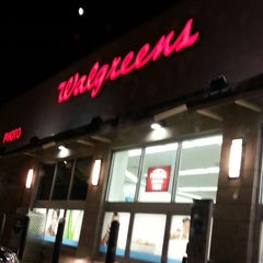Photo taken at Walgreens by Javier C. on 7/18/2013