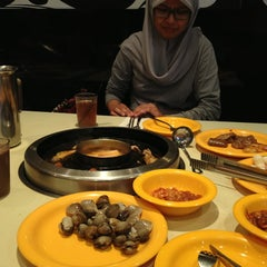 Photo taken at Seoul Garden by Abdul on 6/27/2013