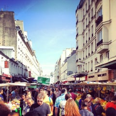 Photo taken at Marché d'Aligre by Mathieu on 9/16/2012