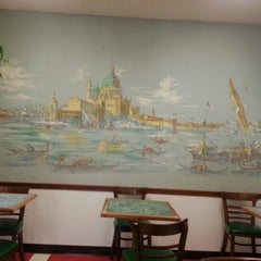 Photo taken at Domenick & Pia Downtown Pizzeria by Julio R. on 9/15/2012