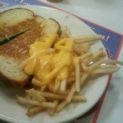 Photo taken at Steak 'n Shake by Megan D. on 1/20/2013
