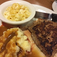 Photo taken at Denny's by Gue on 6/3/2015