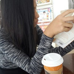 Photo taken at 7-Eleven by Annisa K. on 10/4/2014
