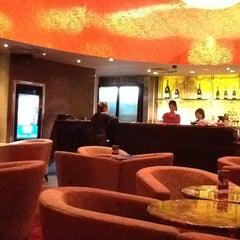 Photo taken at Gold Class Lounge @ VivoCity by Rungthiwa on 12/1/2012