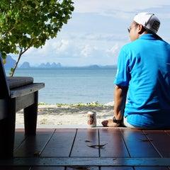 Photo taken at Koh Mook Sivalai Beach Resort by NobiRa on 10/2/2015