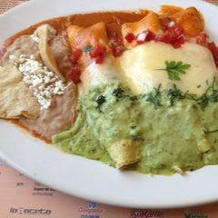 Photo taken at Panama Restaurant y Pasteleria by Alfredo V. on 10/4/2012