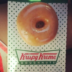 Photo taken at Krispy Kreme Doughnuts by Ronel W. on 7/4/2014