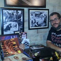 Photo taken at Foster's Hollywood by Alejandro C. on 9/28/2013