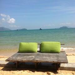Photo taken at The Blue Sky Resort Koh Payam (เดอะบลูสกายรีสอร์ท เกาะพยาม) by premmanus a. on 1/14/2013